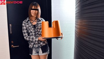 pacopacomama-120118-389-perv-chairs-bring-married-woman-special-slimy-mate_1543637376